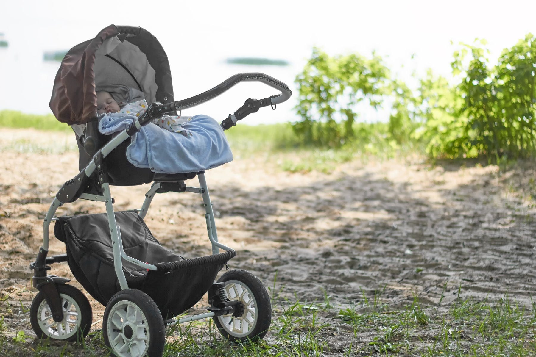 Guide to Picking the Right Stroller for Your Baby