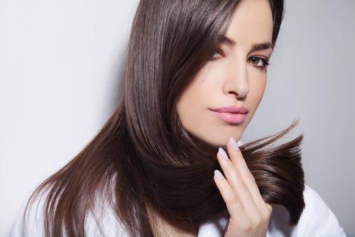 الأطعمة التي ينصح خبراء التغذية بتناولها والتي تساعد على نمو الشعر