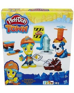 Play Doh Town Figure And Pet +3 Years