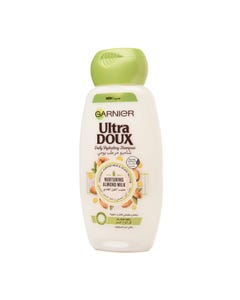 Ultra Doux Daily Hydrating Shampoo With Almond Milk 200 ml